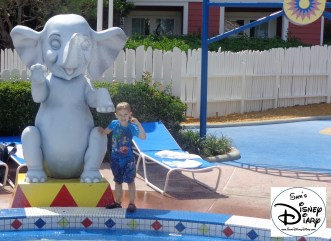 SamsDisneyDiary 54 Boardwalk Luna Park Pool (35)