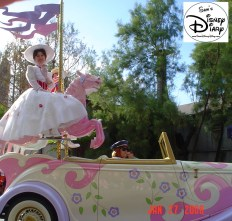 Disney Stars and Motor Cars parade - Mary Poppins