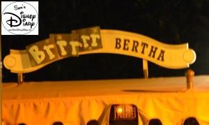 Sams Disney Diary Episode #66 - Each boat has a new name - Brrrrr Bertha