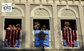 SamsDisneyDiary Episode #75 - The Muppets present Great Moments in American History. The Muppet gang above the Heritage House in Liberty Square
