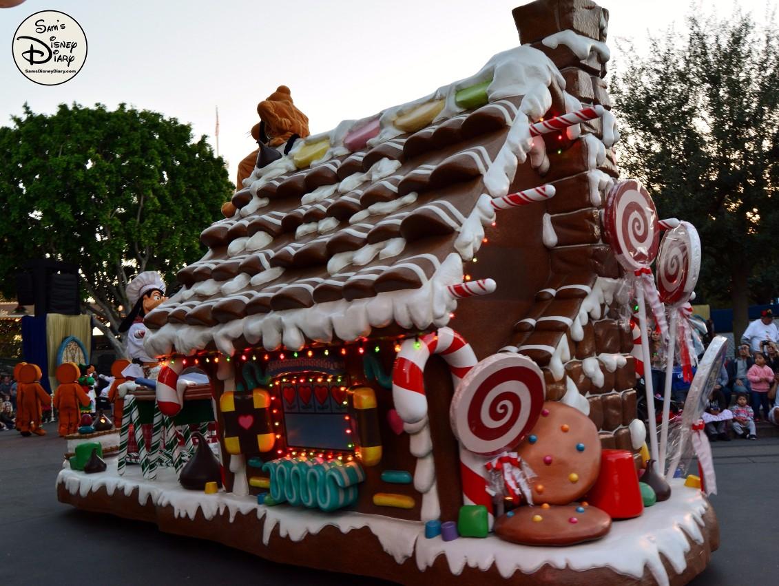 Sdd82 12days7 Disneyland Christmas Fantasy Parade 2 Sams