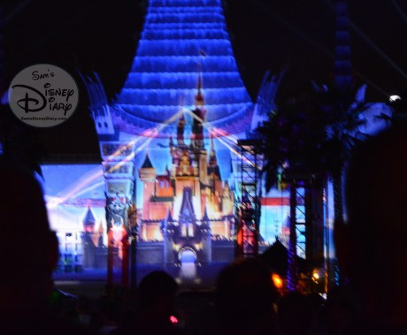 Cinderella's Castle at Hollywood Studios, the magic of video projections!