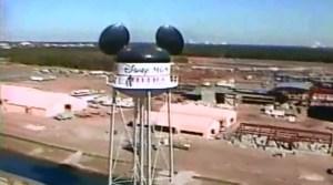SamsDisneyDiary #101: The 1987 Walt Disney World Very Merry Christmas Day Parade - Regis high atop the new Disney MGM Studios water tower
