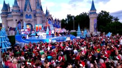 2018 Walt Disney World Christmas Day Parade Hosted by Sarah Hyland and Jordan Fisher with Jesse Palmer in Disneyland
