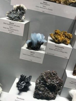 Baryte, pyromorphite & descloizite