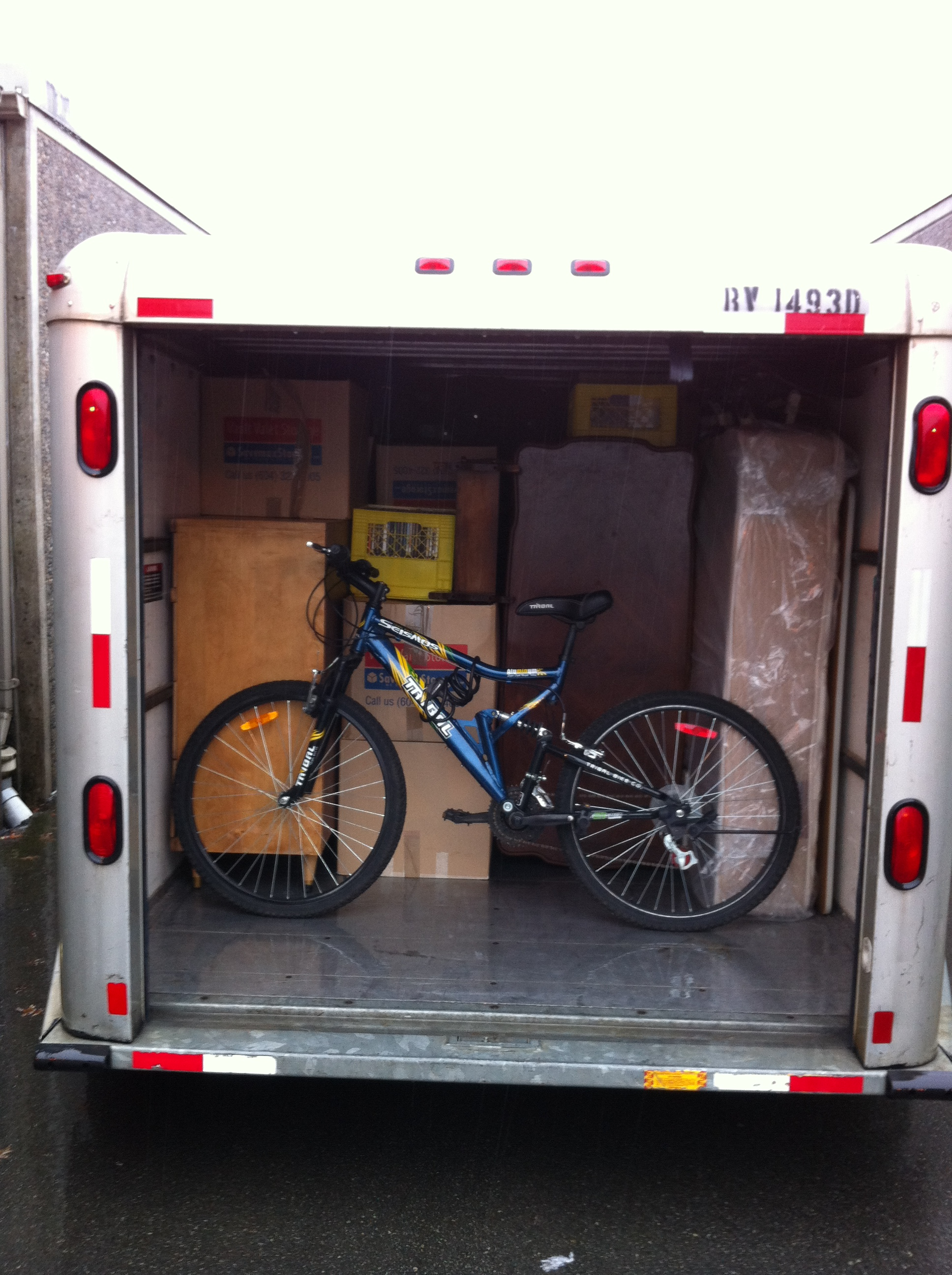 Moving Truck Rental Vancouver >> UHaul Truck Loading and Unloading Help   Sam's Small Moves