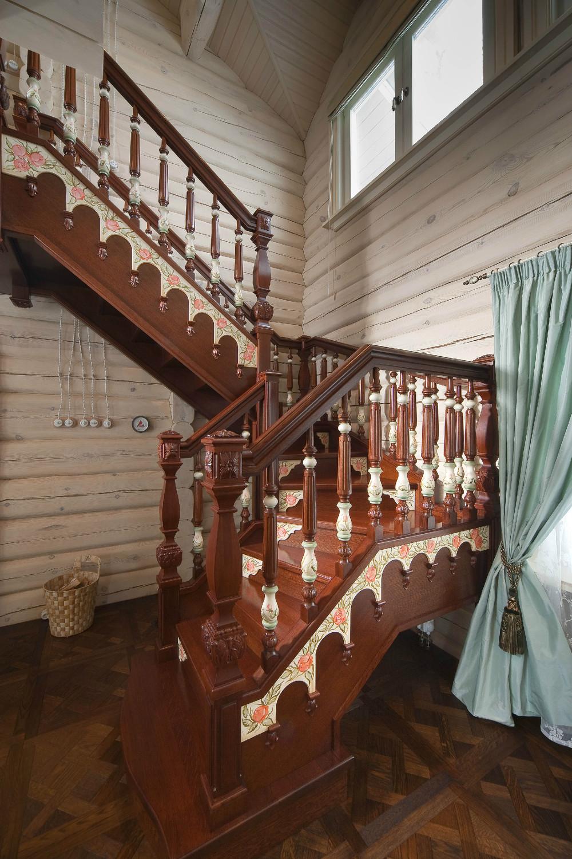 Huis met afgeronde hout   samstroy   bouw, design, architectuur.
