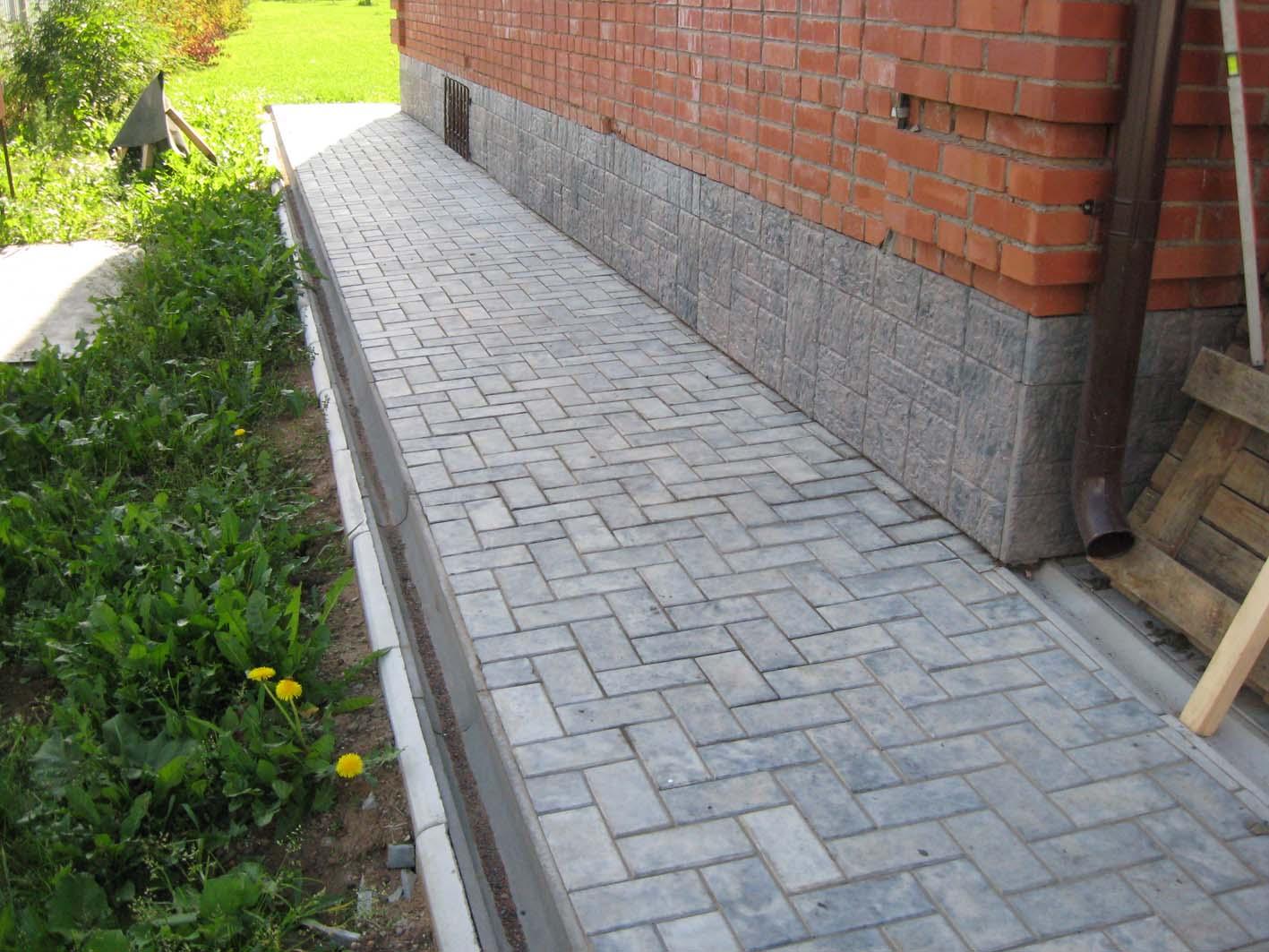 Как сделать отмостку из бетона вокруг дома 7