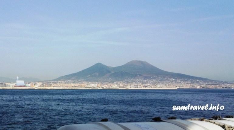 Неаполь, Везувий