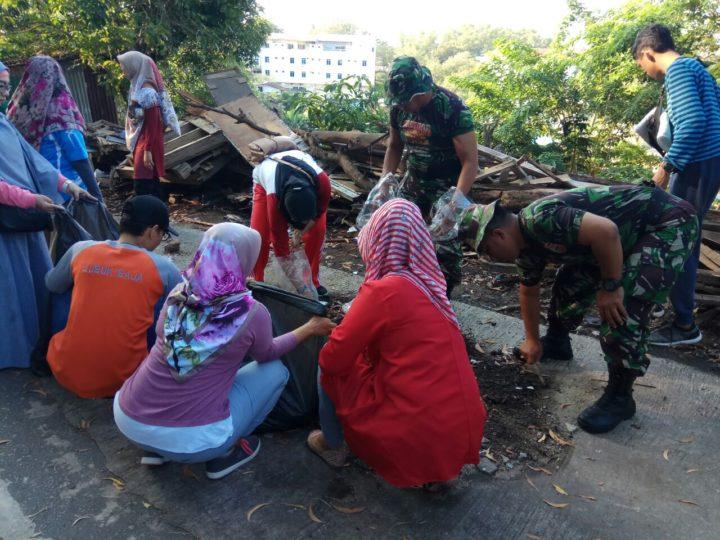 , Babinsa Kecamatan Sekupang Koramil 02/BB melaksanakan Goro bersama Masyarakat, SamuderaKepri