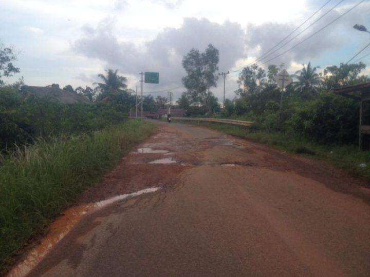 Kondisi Jalan Di Kecamatan Singkep Barat Memprihatinkan, Diharapkan Pemerintah Tidak Tutup Mata, SamuderaKepri