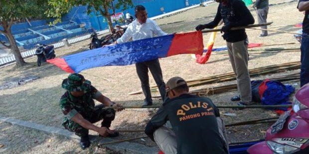 , Babinsa 05 Melaksanakan Goro Bersama Unsur Kecamatan dan Kelurahan Di Lapangan Indra Sakti, SamuderaKepri