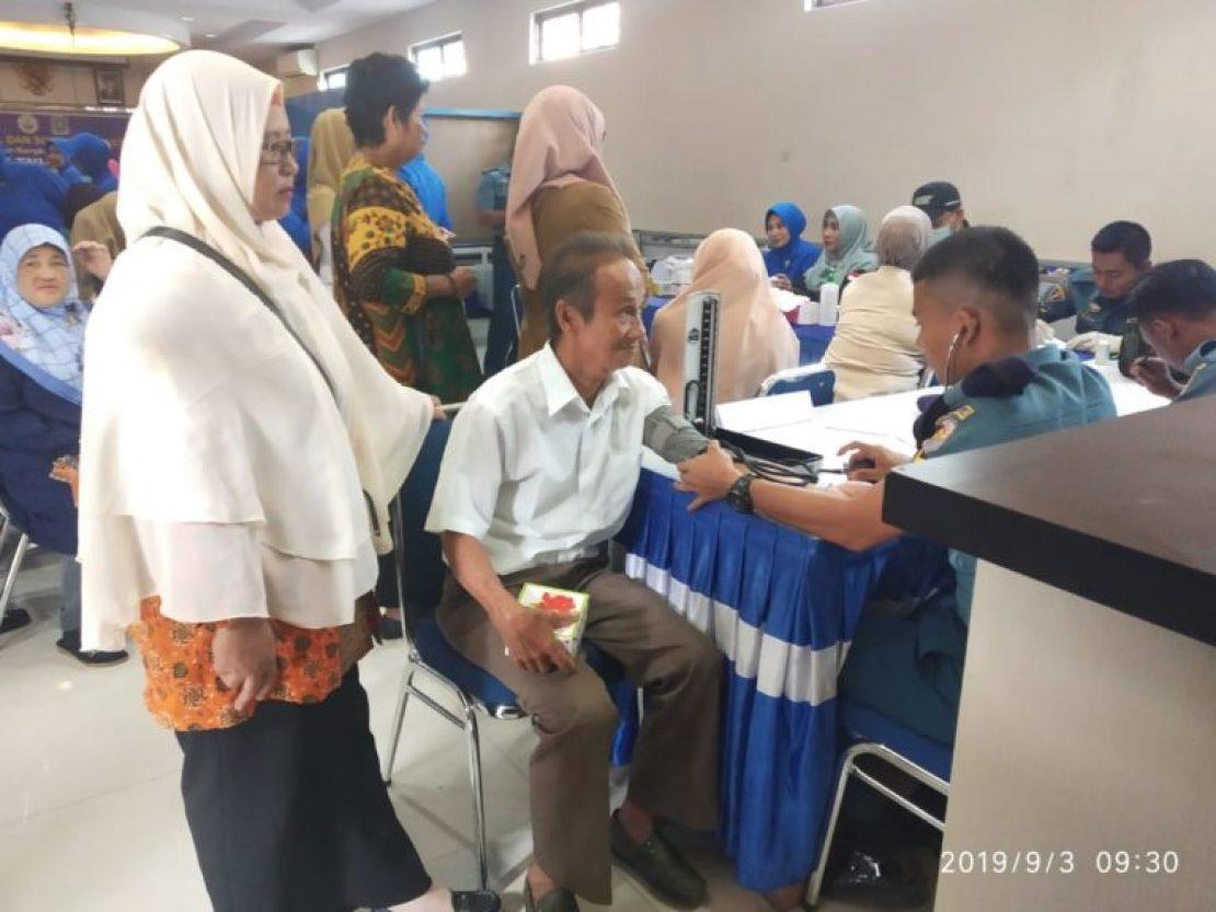 HUT TNI AL Ke – 74, Lanal Tarempa Gelar Bakti Sosial, SamuderaKepri
