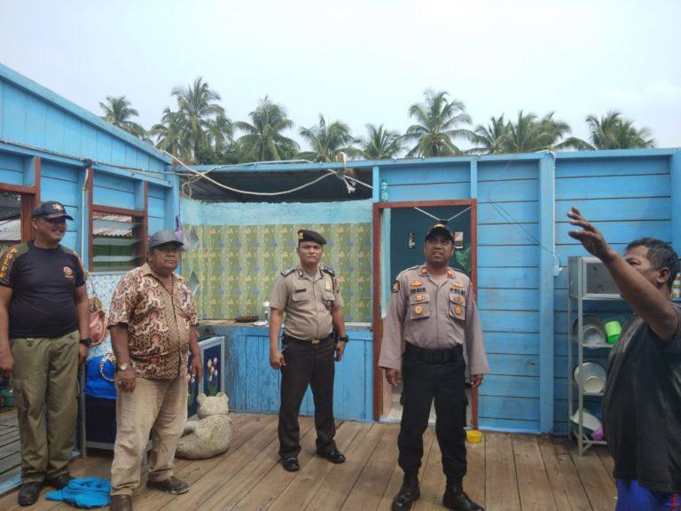 , Sebuah Rumah Di Desa Sungai Buluh Rusak Dihantam Angin Kencang, Kapolsek Berikan Bantuan, SamuderaKepri