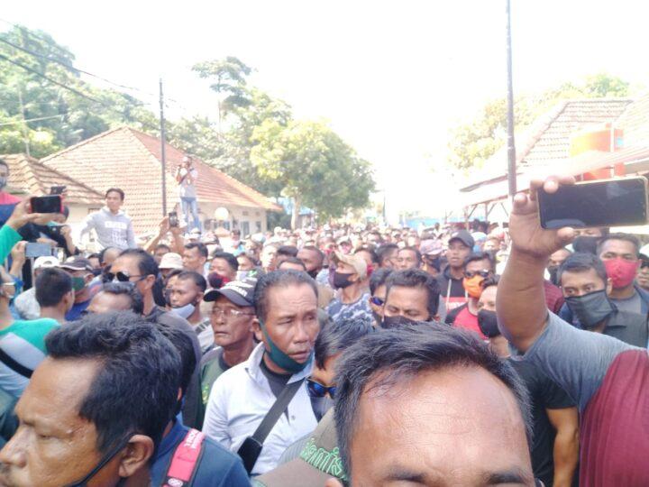 Ada Apa ? 500 Orang Nelayan Hari ini Padati Gedung DPRD Anambas