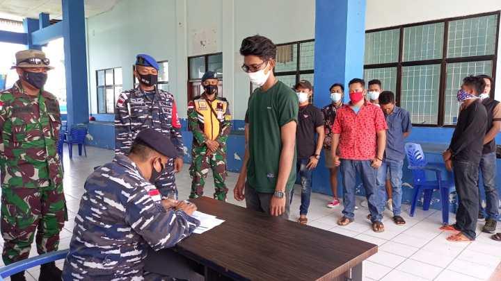 Lanal Ranai Gelar Pelaksanaan Percepatan Vaksinasi di Pulau Terpencil, SamuderaKepri