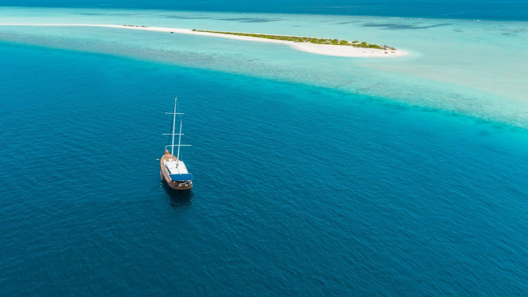 Dhonis - Traditional Maldivian Wooden Boats