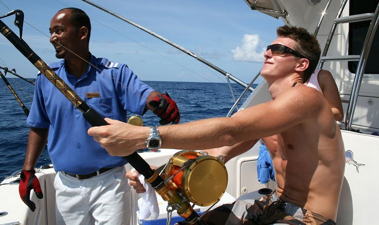 Fishing in Maldives (Best Time, Atoll, Price, Season, Packages, Course & Resorts)