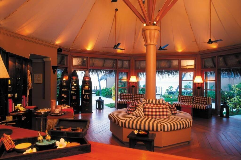 Four Seasons Resort Maldives, Kuda Huraa