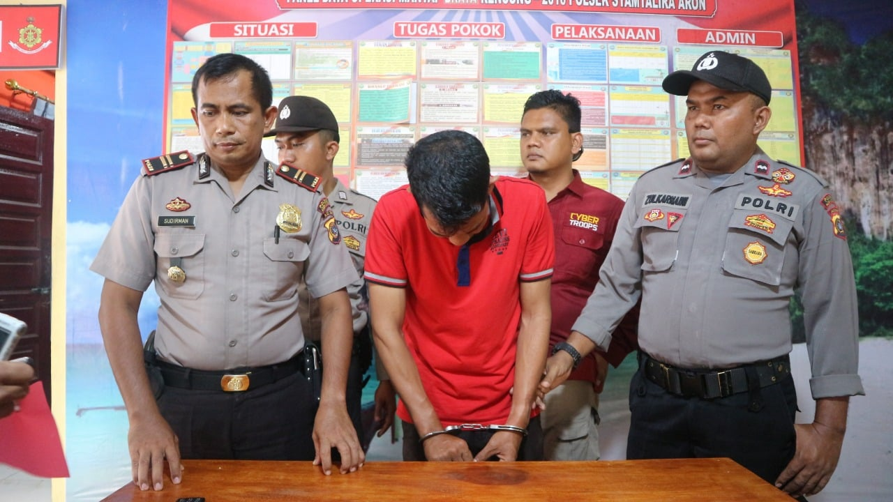 Pria Aceh Utara Ini Mengaku Intel Polisi dan BNN, Ditangkap Menangis