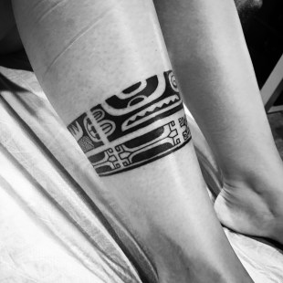 Marquesas tattoo to symbolize a marriage