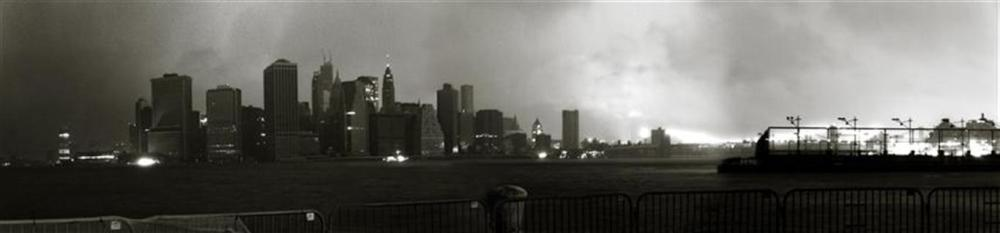 Great Panorama of Manhattan and the Brooklyn Brigde partially lighted