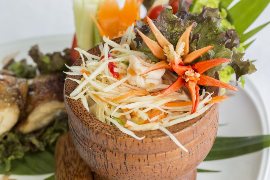 Top 10 Thai food - Som Tam (Green Papaya Salad)