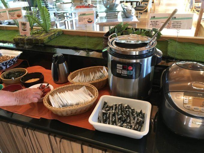 東急ハーヴェスト朝食会場『彩』バイキング料理のごはんやお粥