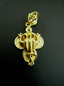 Wearing a Three Legged Toad Pendant is considered very auspicious and it captures wealth for you.