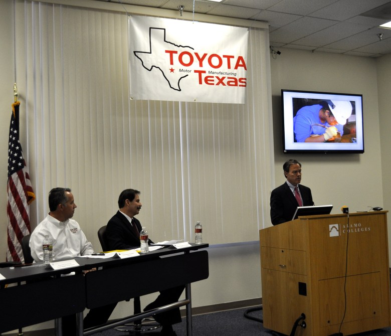 House Speaker Jo Straus address the crowd at this morning's announcement of the Toyota/Alamo College AMT Program.