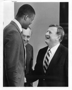 Spurs owner Red McCombs welcomes David Robinson, the Admiral, to the team. Photo courtesy of Red McCombs