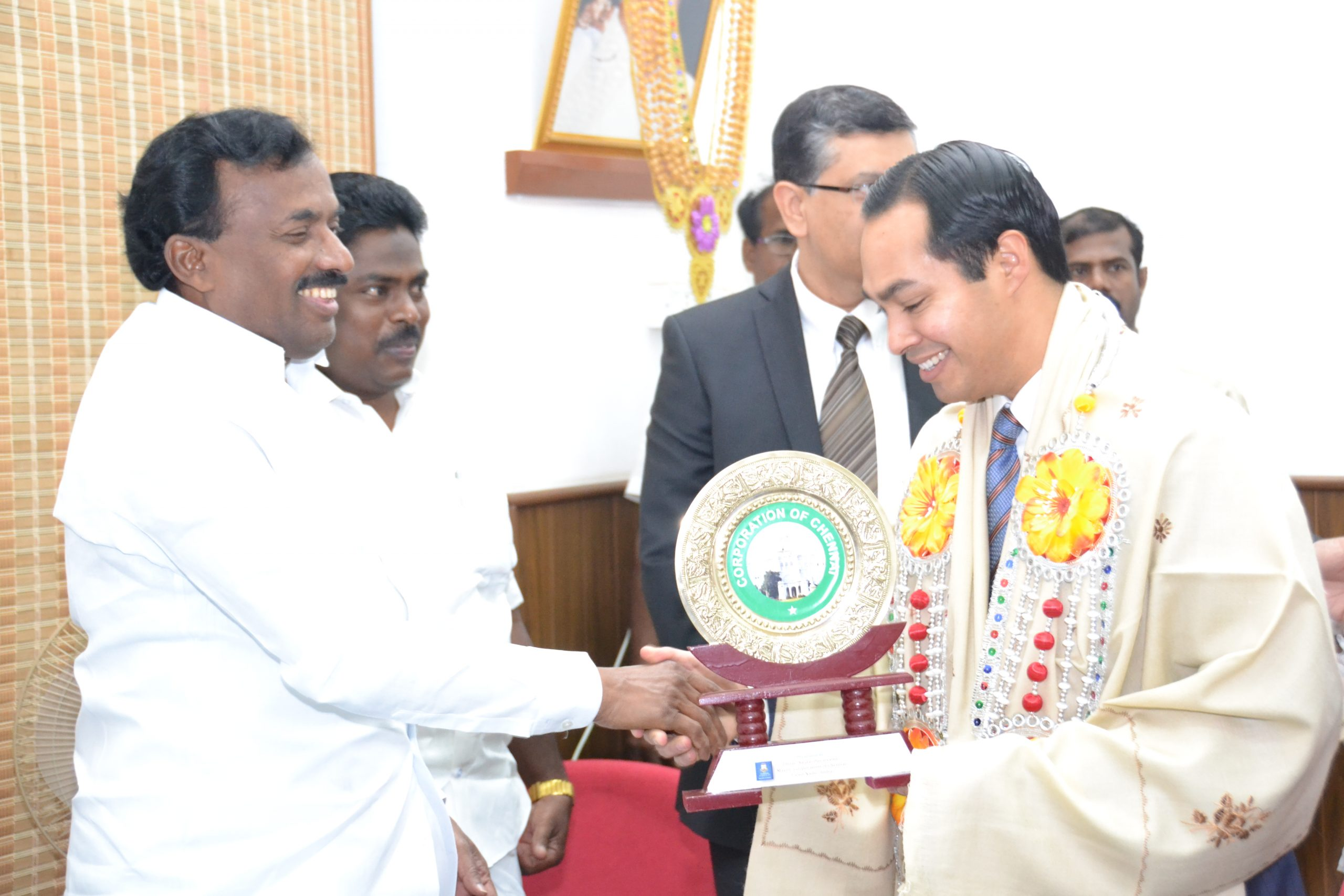 Mayor Julián Castro during an official greeting with Channai, India Mayor Saidai S. Duraisamy in Chennai's government offices earlier this year. Photo courtesy of the International Relations Office.
