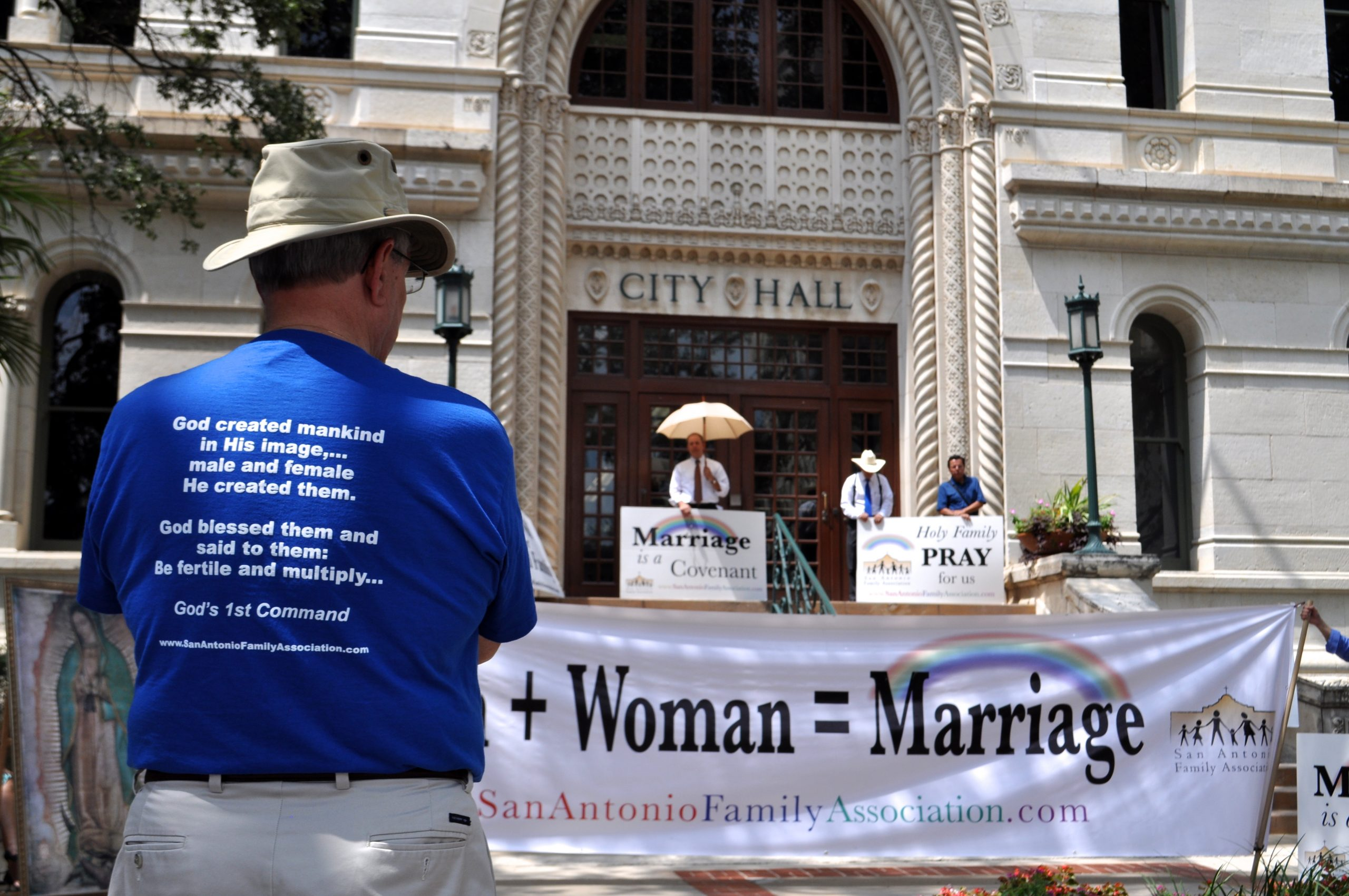 Citizens hold prayer sessions on the steps of City Hall in protest of the proposed non-discrimination ordinance. Photo by Iris Dimmick.