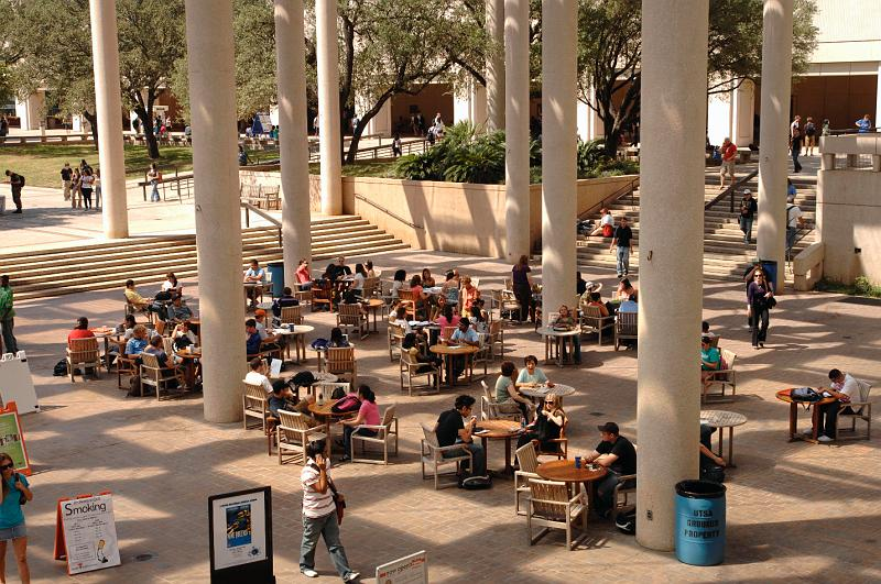 UTSA students, faculty and staff enjoy an afternoon on campus. Courtesy of UTSA.