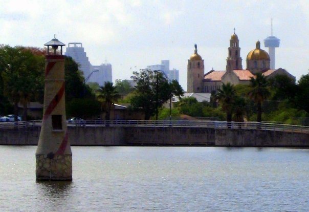 The Woodlawn Lake lighthouse with downtown San Antonio in the distance. Photo by Jeff Reininger.