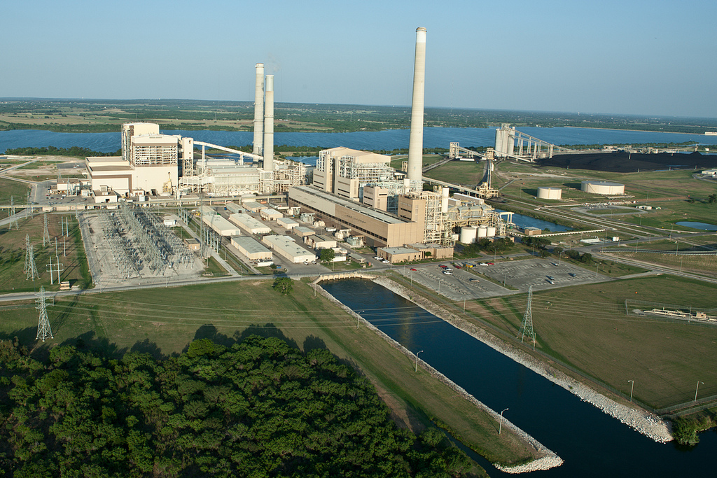 Instead of retrofitting the plant with potentially $550 million worth of pollution control mechanisms, CPS Energy decided to close the coal-fired Deely Power Plant by 2018. Photo courtesy of CPS Energy.