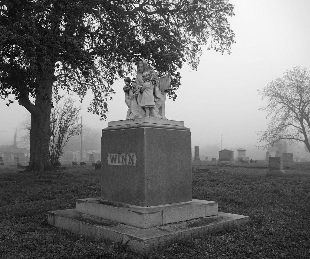 Winn headstone in an Eastside cemetery. Photo by Juan Garcia.