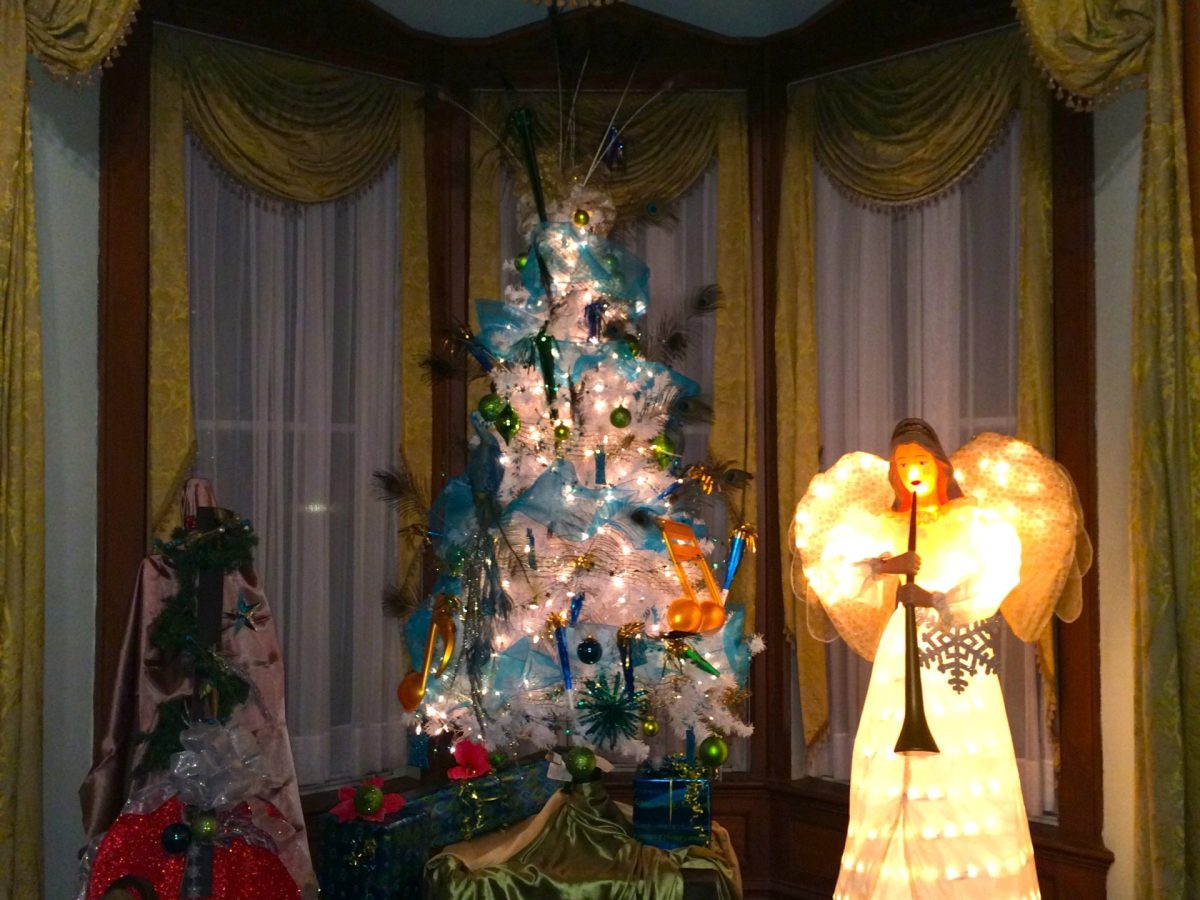 Christmas Decorations inside The Commanders House. Photo by Jaime Solis