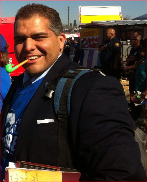 Poet Ernest Hernandez at the 2014 MLK Day march in San Antonio. Photo by Betsey Garland.
