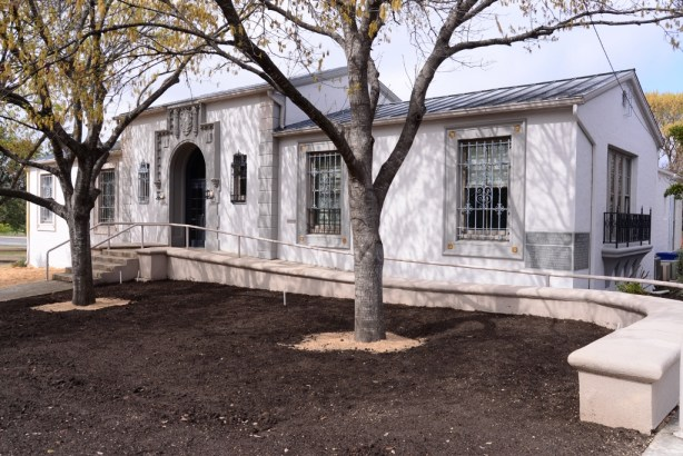 The front facade of the Roosevelt Library, built in 1929. Photo by Page Graham.