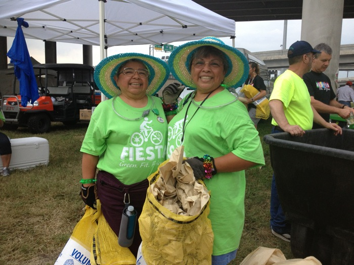 The bright yellow calling card of the Fiesta Verde volunteer. Photo by Randy Bear.