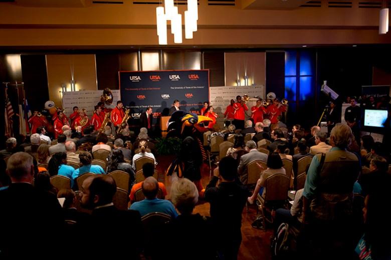 A large crowd gathers for the UTSA-Microsoft research collaboration. Photo by Mark McClendon of UTSA.
