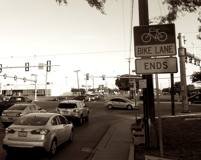 The South Flores Street bike lane ends at SW Military Drive. Photo by Iris Dimmick.