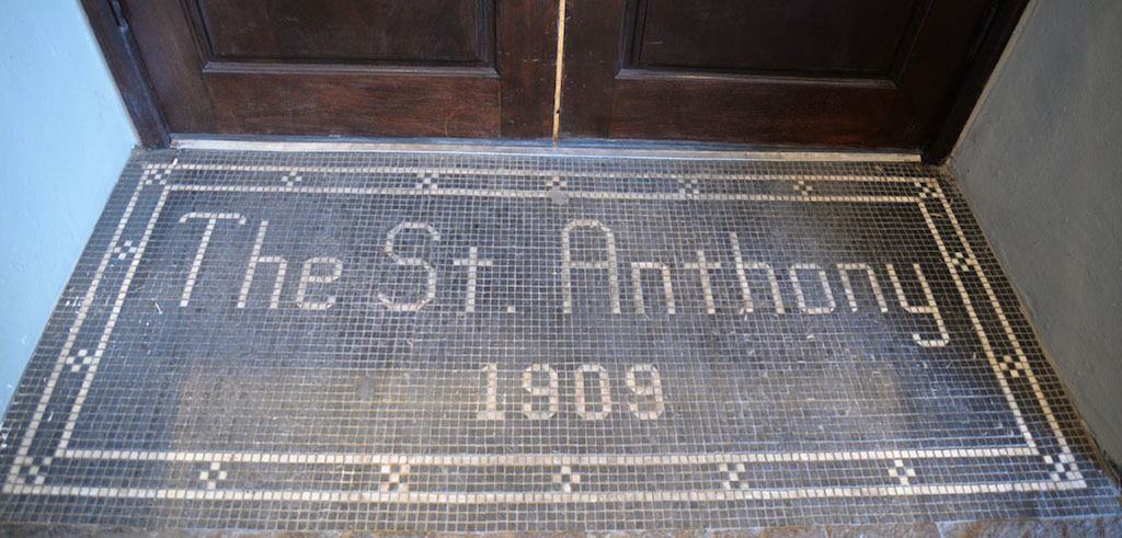 The tiled entrance to the St. Anthony Hotel from the valet parking area. Photo by Annette Crawford.