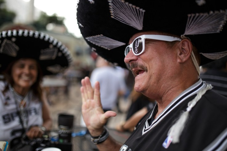 A Spurs fan prepares for the Spurs' win of the 2014 NBA Finals. Photo by Scott Ball.