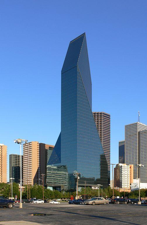 Fountain Place in Dallas. Photo via Wikimedia Commons user Adreas Praefcke.