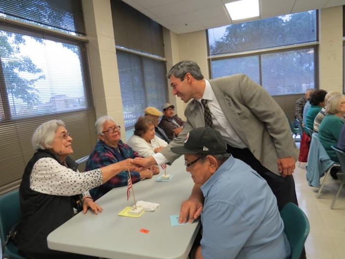 Councilman Nirenberg meets with residents at the Bob Ross Senior Center. Courtesy photo.