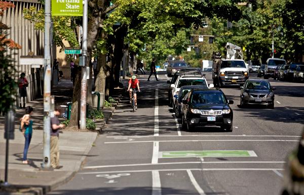 Separated bike lanes in Portland, Oregon. Photo: Zachary Kaufman via PeopleForBikes.