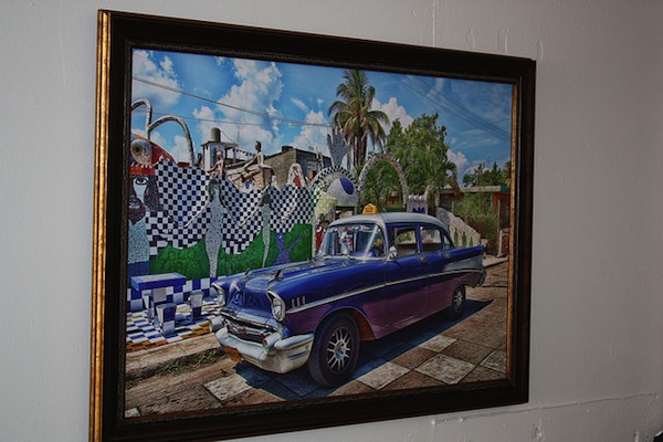 Eric Lane's photo of a daily scene in Cuba. Controls of imports and U.S. sanctions make it difficult to buy parts and fuel. Photo by Kay Richter.