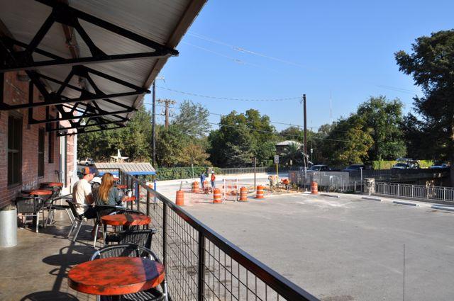Construction on the South Alamo Street bridge on Oct. 24, 2014. Photo by Iris Dimmick.